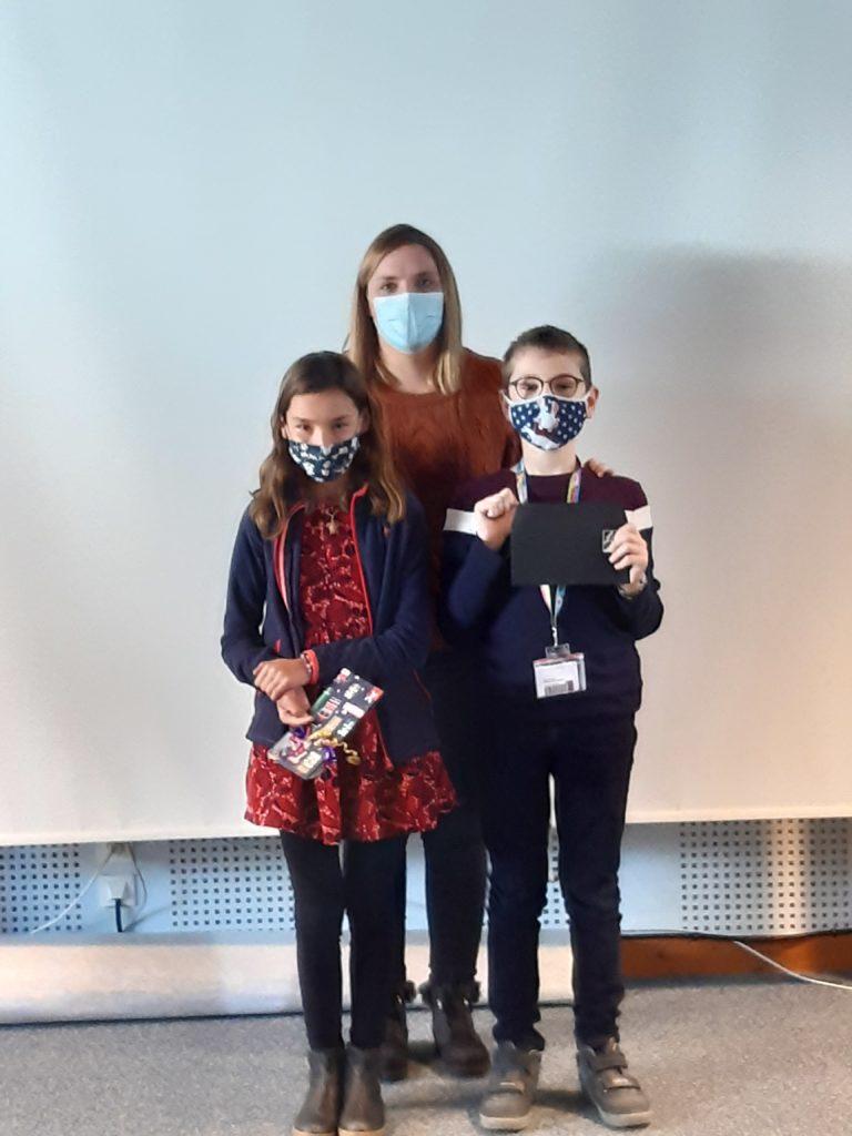 Lesdeux gagnants représenteront leurclasse auconcours national de lecture expressive organisé par la Grande Librairie et France Télévisions: une vidéo de leur prestation a été envoyée à Lumni.